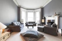 2 bedroom Flat in Pembridge Square, London...