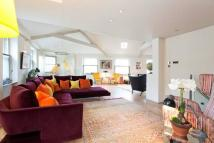 3 bed Flat to rent in Kensington Park Road...