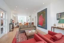 Flat for sale in Lansdowne Road, London...