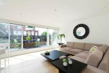 Flat in Walmer Road, London, W11