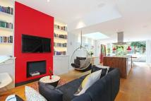4 bed Town House in Britannia Road, London...