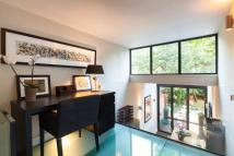 4 bed Town House to rent in Clarendon Road, London...