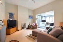 Raddington Road Flat to rent
