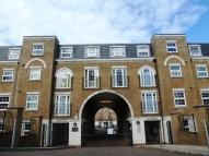 1 bedroom Flat in Angel Court...