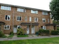 2 bed Bungalow to rent in Garrick Crescent, Croydon