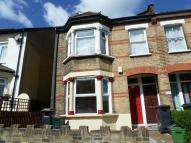 2 bed Maisonette in Davidson Road, Croydon