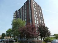 Flat to rent in Maybourne Grange...