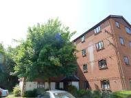 Flat to rent in Burnham Gardens, Croydon