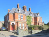 5 bedroom semi detached house in Salop Road, Welshpool...