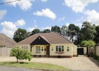 3 bed Detached Bungalow in Ferndown
