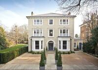 8 bed Detached house in Cambridge Park, Richmond...