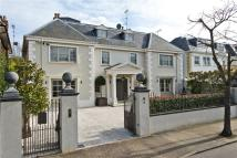 Detached home in Roehampton Gate, London...