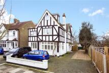 6 bedroom Detached home in Marksbury Avenue...
