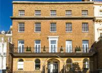 Flat for sale in Richmond Hill, Richmond...