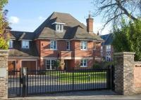5 bedroom Detached property for sale in Laubin Close, Twickenham...