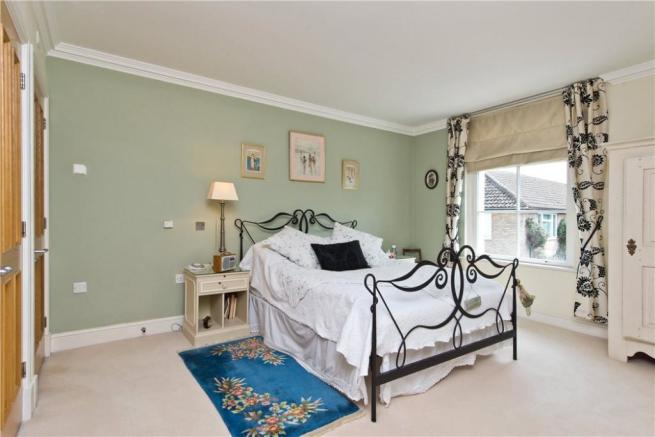 Flat For Sale Kt1