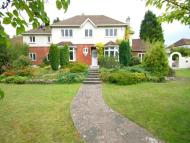 5 bed Detached home in Woodmansterne Road...