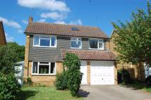 4 bedroom Detached home in 9 Mayfield Close...