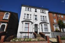 Flat to rent in Alma Road, St. Albans...