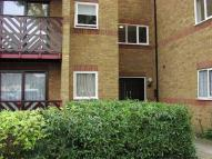 Flat to rent in Braziers Quay