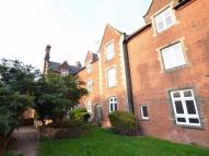 Flat in 25 Buckingham Court...