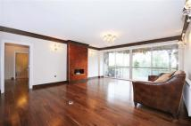3 bedroom Flat in CHELWOOD HOUSE...
