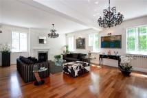 4 bed Flat in HYDE PARK STREET W2