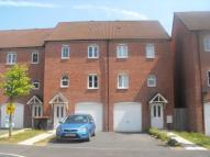 3 bed semi detached property to rent in Argosy Way...