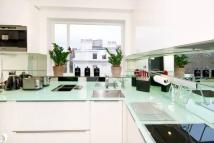 2 bedroom Flat to rent in STANHOPE GARDENS SOUTH...