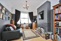 2 bedroom End of Terrace house for sale in Victoria Road, COULSDON