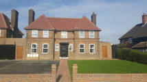 2 bed Apartment for sale in Kingsend, Ruislip
