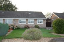2 bedroom Semi-Detached Bungalow in Russell Way, Wootton...