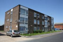 Flat in May Avenue, Canvey Island