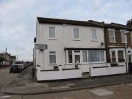 4 bed End of Terrace house in Whalebone Grove...