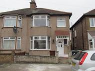 3 bed Terraced property in Mayfair Avenue...