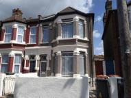 4 bedroom Terraced house in Central Park Road...