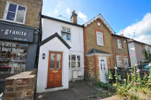 2 bed Terraced property in Cambridge Road...
