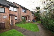 4 bedroom End of Terrace property to rent in Mary Adelaide Close...