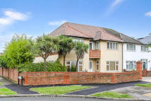 5 bed semi detached property in Derwent Avenue, London...