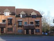 Apartment to rent in Chalet Court, Bordon