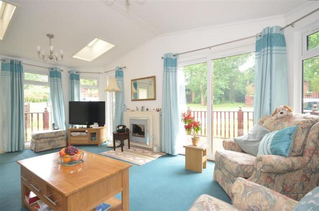 2 Bedroom Park Home For Sale In Edgeley Farley Green