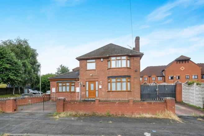 4 bedroom detached house for sale in bull street dudley dy1