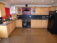 5 bed semi detached property in Shaggy Calf Lane, Slough