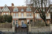 3 bed Apartment in Queens Gate, Lipson...