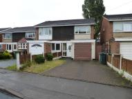 3 bed semi detached house in Dartmouth Close, Walsall
