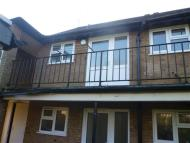 Apartment for sale in Kenilworth Drive, Oadby...