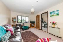1 bed Flat for sale in Whitecroft, Horley