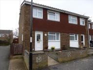 3 bed semi detached house in Dumbrills Close...