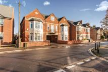 1 bedroom Ground Flat for sale in Crescent Road, Cowley...