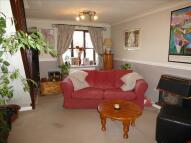 4 bed semi detached house in Beaulieu Close, BANBURY